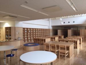 『図書室の机・椅子』の画像