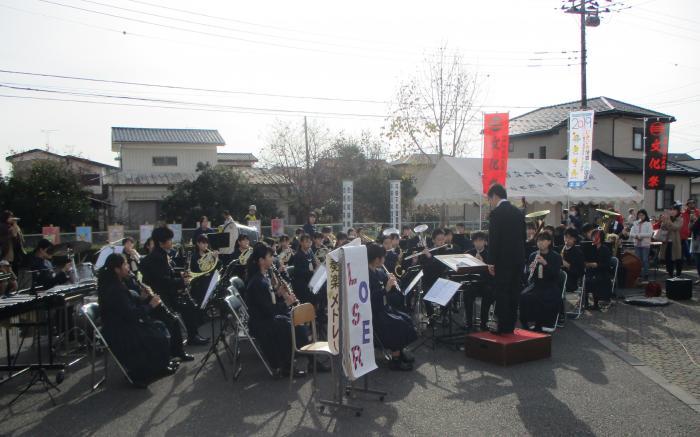 『土浦第三中学校吹奏楽部によるオープニング演奏』の画像