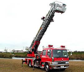梯子付ポンプ自動車 18メートル