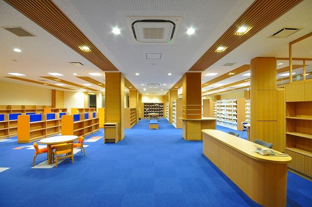 図書館新治地区分館(内部)